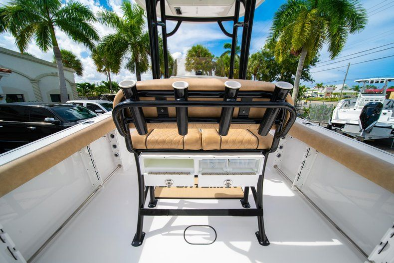 Thumbnail 10 for New 2019 Sportsman Open 232 Center Console boat for sale in Miami, FL