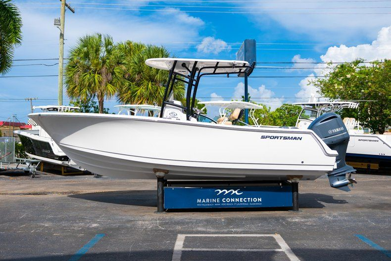 Thumbnail 4 for New 2019 Sportsman Open 232 Center Console boat for sale in Miami, FL