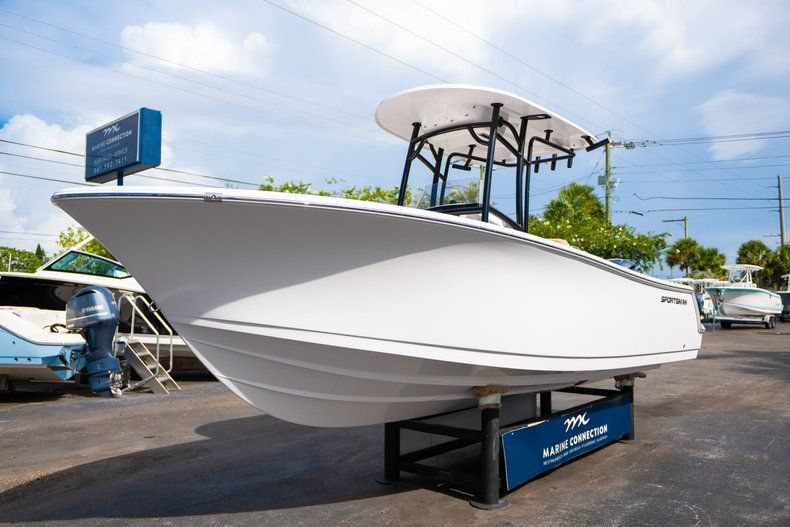 Thumbnail 3 for New 2019 Sportsman Open 232 Center Console boat for sale in Miami, FL