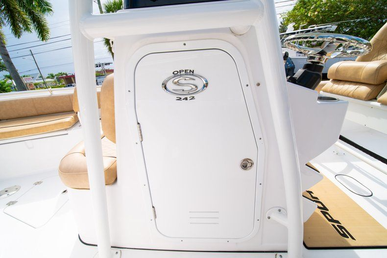 Thumbnail 31 for New 2019 Sportsman Open 242 Center Console boat for sale in West Palm Beach, FL