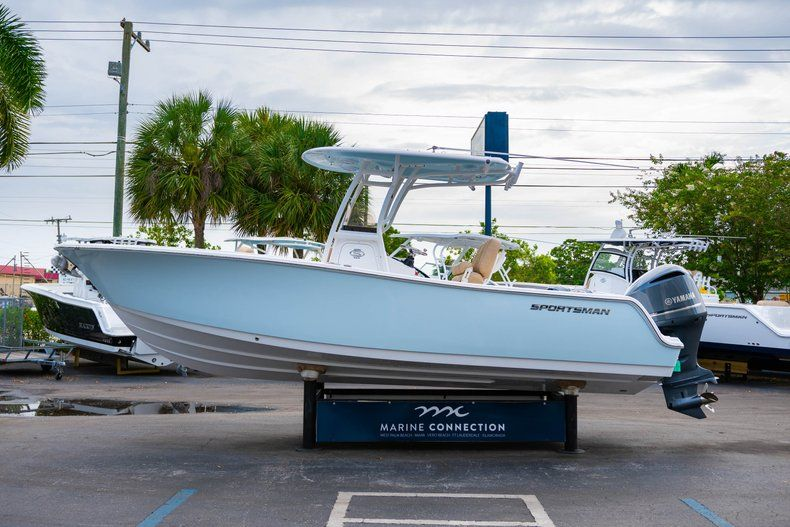 Thumbnail 4 for New 2019 Sportsman Open 242 Center Console boat for sale in West Palm Beach, FL
