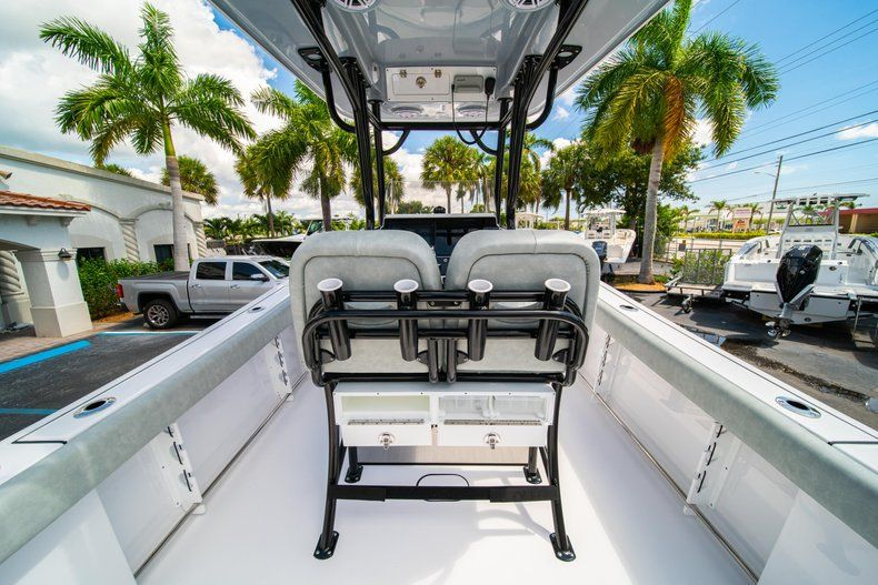 Thumbnail 16 for New 2019 Sportsman Open 242 Center Console boat for sale in Fort Lauderdale, FL