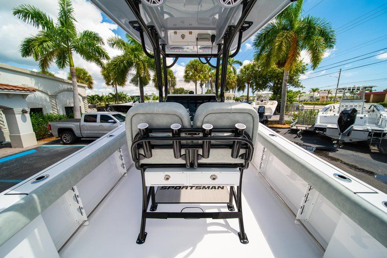 Thumbnail 15 for New 2019 Sportsman Open 242 Center Console boat for sale in Fort Lauderdale, FL
