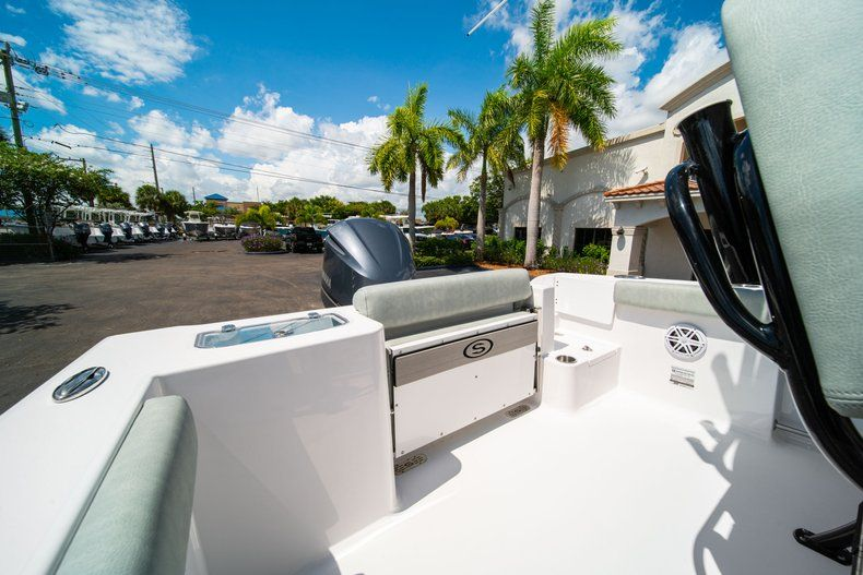 Thumbnail 9 for New 2019 Sportsman Open 242 Center Console boat for sale in Fort Lauderdale, FL