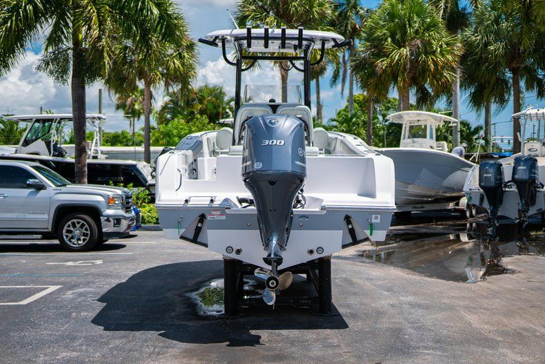 Thumbnail 6 for New 2019 Sportsman Open 242 Center Console boat for sale in Fort Lauderdale, FL