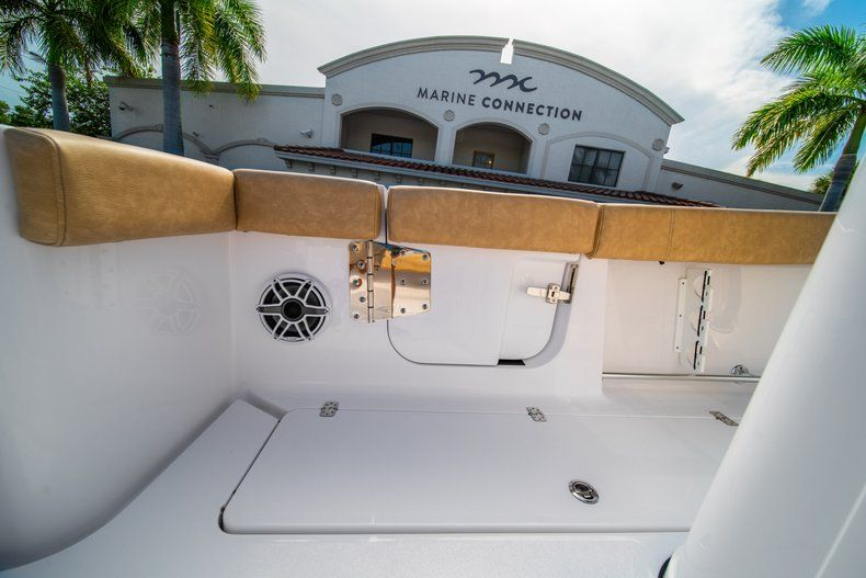Thumbnail 14 for New 2019 Sportsman Open 312 Center Console boat for sale in West Palm Beach, FL