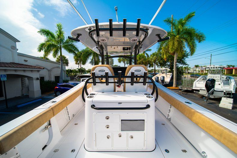 Thumbnail 9 for New 2019 Sportsman Open 312 Center Console boat for sale in West Palm Beach, FL