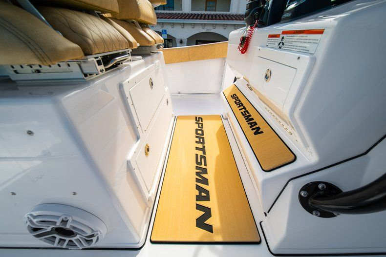 Thumbnail 27 for New 2019 Sportsman Open 312 Center Console boat for sale in West Palm Beach, FL