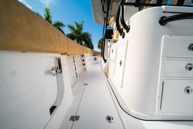 Thumbnail 16 for New 2019 Sportsman Open 312 Center Console boat for sale in West Palm Beach, FL