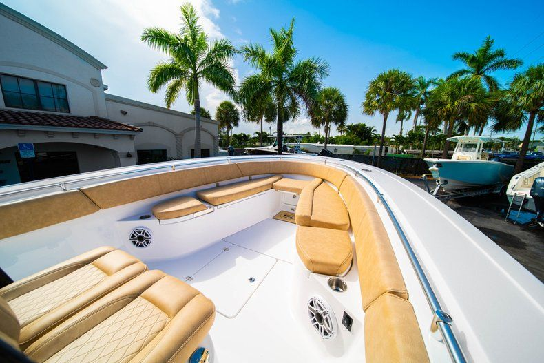Thumbnail 34 for New 2019 Sportsman Open 312 Center Console boat for sale in West Palm Beach, FL