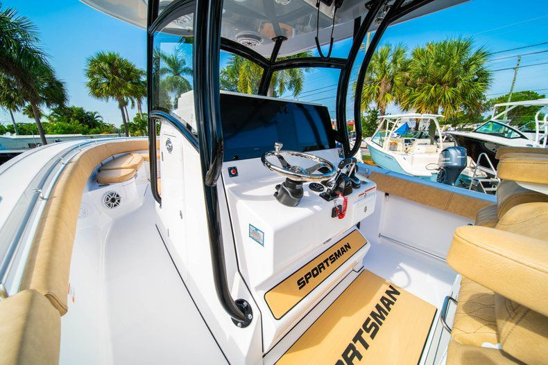 Thumbnail 23 for New 2019 Sportsman Open 312 Center Console boat for sale in West Palm Beach, FL