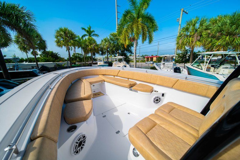Thumbnail 37 for New 2019 Sportsman Open 312 Center Console boat for sale in West Palm Beach, FL