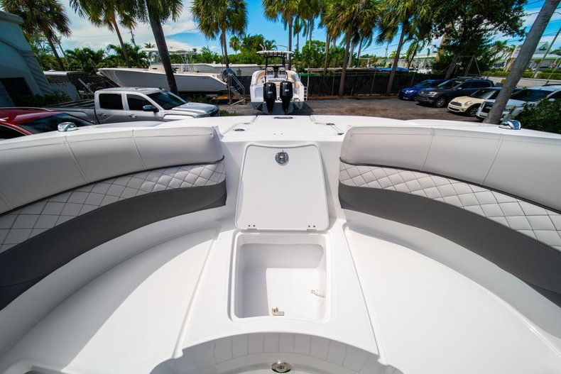 Thumbnail 35 for New 2019 Hurricane SunDeck SD 2690 OB boat for sale in West Palm Beach, FL