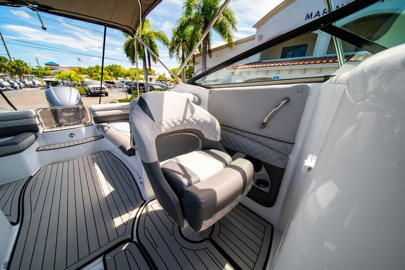 Thumbnail 26 for New 2019 Hurricane SunDeck SD 2690 OB boat for sale in West Palm Beach, FL
