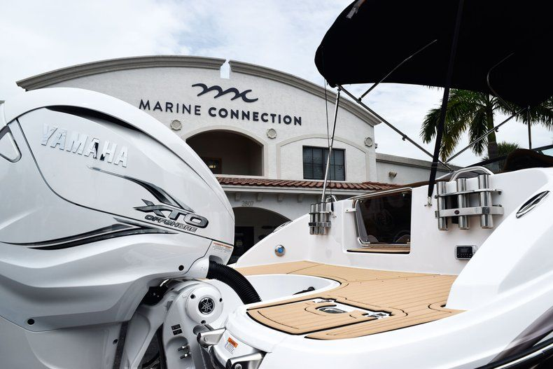 Thumbnail 8 for New 2019 Hurricane SD 2690 OB boat for sale in West Palm Beach, FL