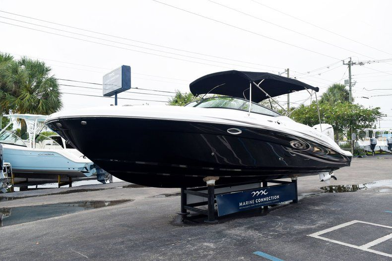 Thumbnail 3 for New 2019 Hurricane SD 2690 OB boat for sale in West Palm Beach, FL