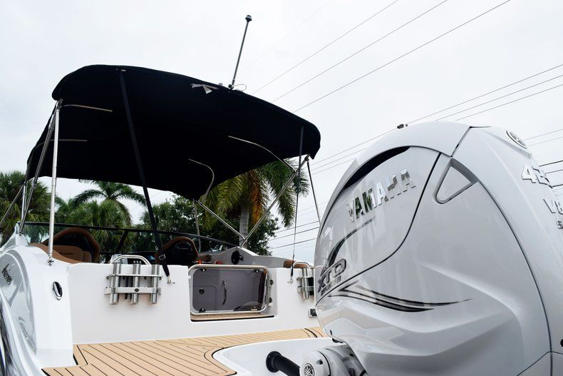 Thumbnail 15 for New 2019 Hurricane SD 2690 OB boat for sale in West Palm Beach, FL