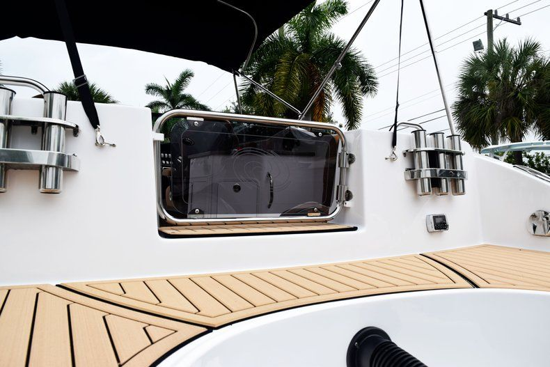 Thumbnail 14 for New 2019 Hurricane SD 2690 OB boat for sale in West Palm Beach, FL