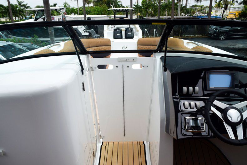 Thumbnail 69 for New 2019 Hurricane SD 2690 OB boat for sale in West Palm Beach, FL
