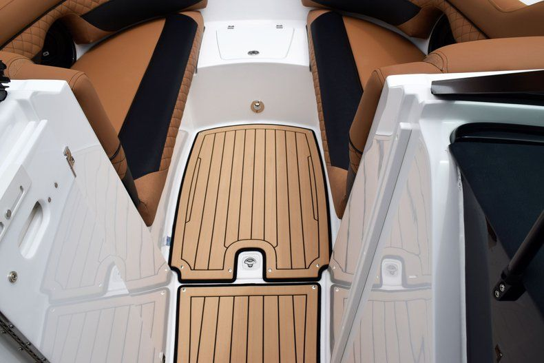 Thumbnail 71 for New 2019 Hurricane SD 2690 OB boat for sale in West Palm Beach, FL