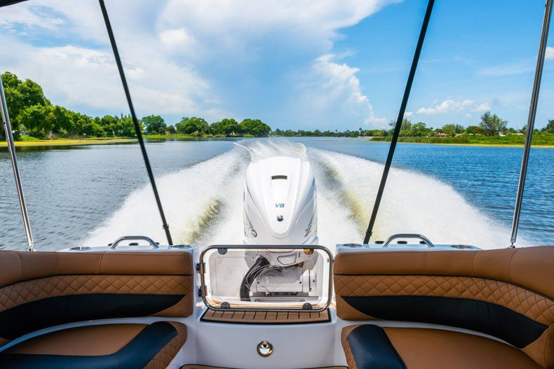 Thumbnail 101 for New 2019 Hurricane SD 2690 OB boat for sale in West Palm Beach, FL