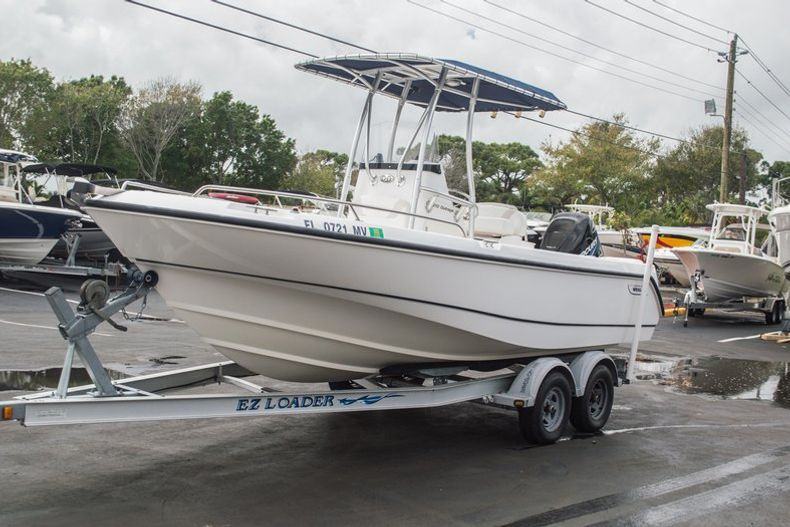 Photo for 2004 Boston Whaler 21 Outrage