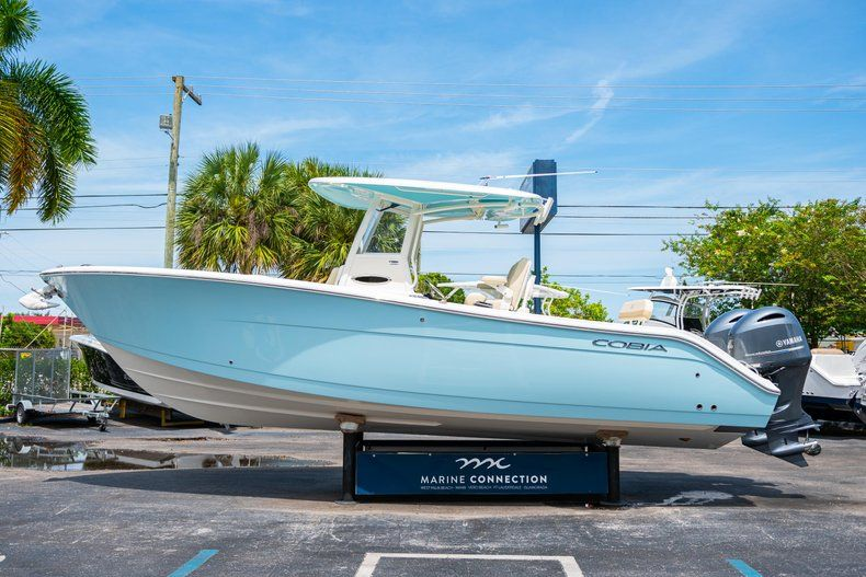 Image 4 for 2019 Cobia 280 cc in Fort Lauderdale, FL