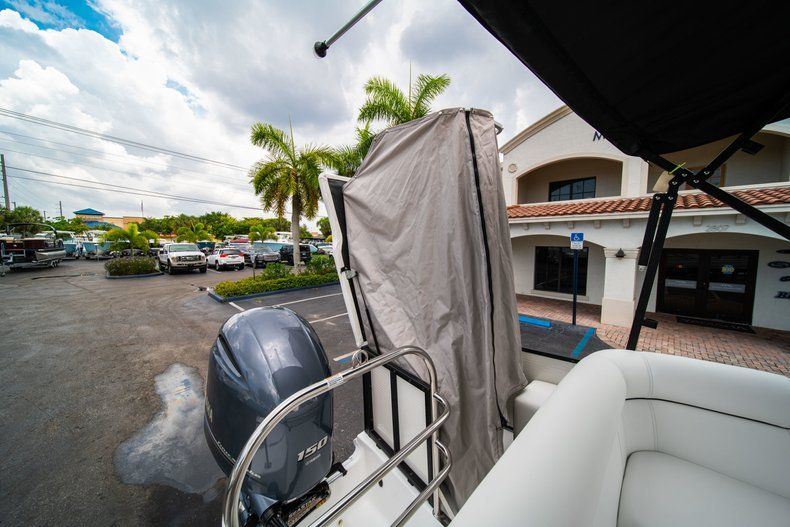 Thumbnail 9 for New 2019 Hurricane FunDeck FD 226 OB boat for sale in Stuart, FL