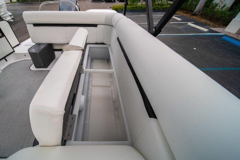 Thumbnail 15 for New 2019 Hurricane FunDeck FD 226 OB boat for sale in Stuart, FL