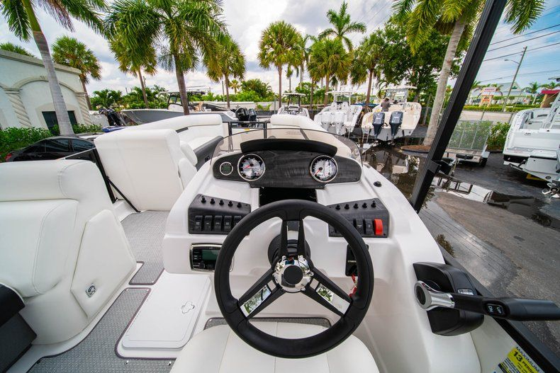 Thumbnail 11 for New 2019 Hurricane FunDeck FD 226 OB boat for sale in Vero Beach, FL