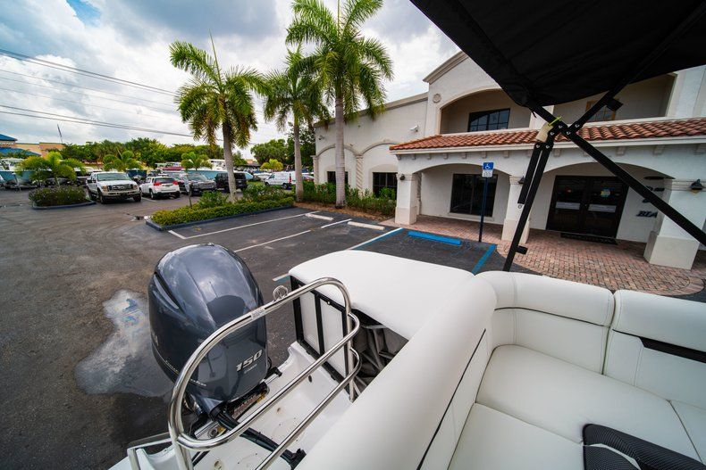 Thumbnail 8 for New 2019 Hurricane FunDeck FD 226 OB boat for sale in West Palm Beach, FL