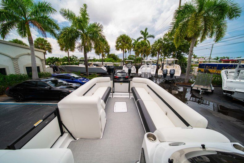 Thumbnail 23 for New 2019 Hurricane FunDeck FD 226 OB boat for sale in Vero Beach, FL