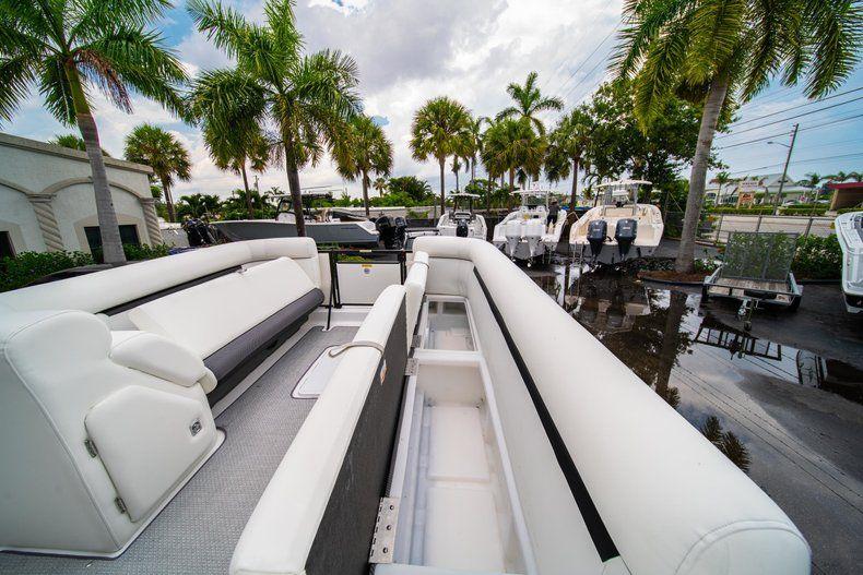 Thumbnail 24 for New 2019 Hurricane FunDeck FD 226 OB boat for sale in Stuart, FL