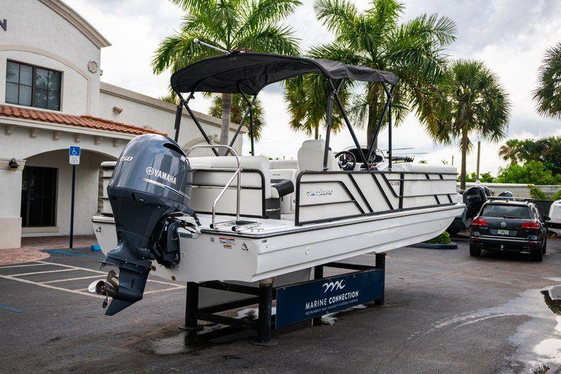 Thumbnail 7 for New 2019 Hurricane FunDeck FD 226 OB boat for sale in Stuart, FL