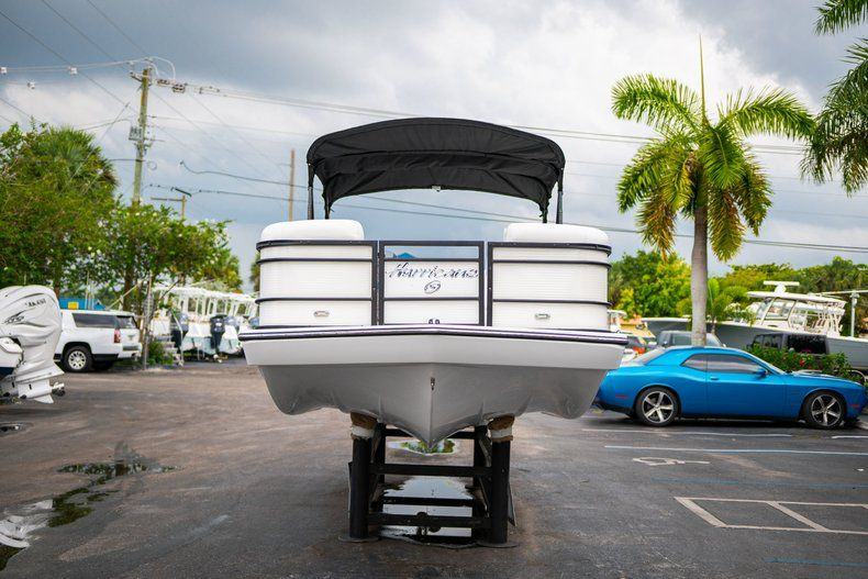 Thumbnail 2 for New 2019 Hurricane FunDeck FD 226 OB boat for sale in Vero Beach, FL