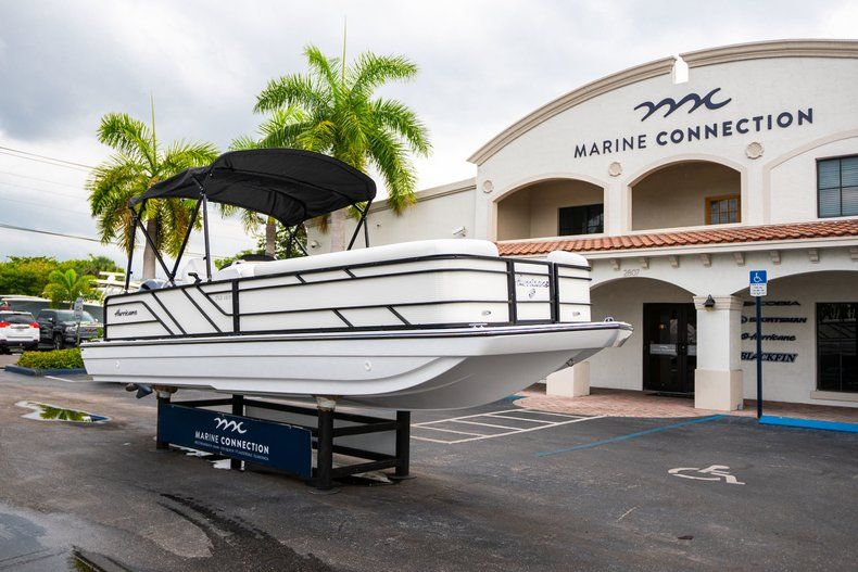 Thumbnail 1 for New 2019 Hurricane FunDeck FD 226 OB boat for sale in Vero Beach, FL