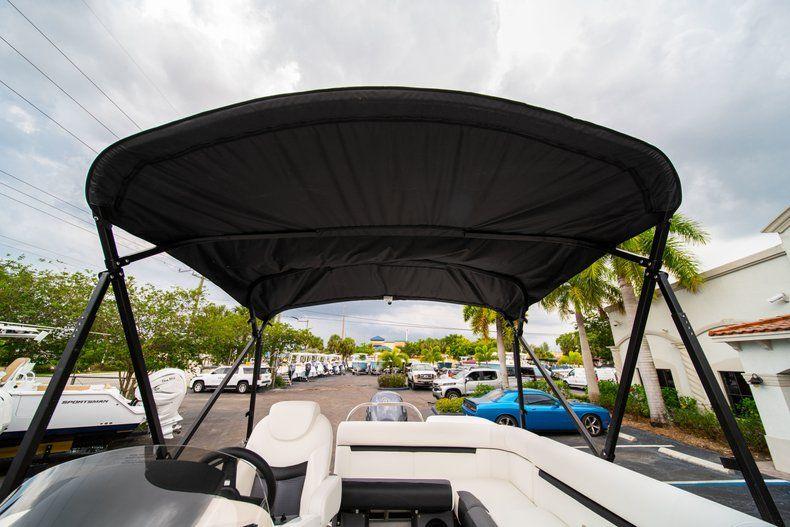 Thumbnail 29 for New 2019 Hurricane FunDeck FD 226 OB boat for sale in Stuart, FL