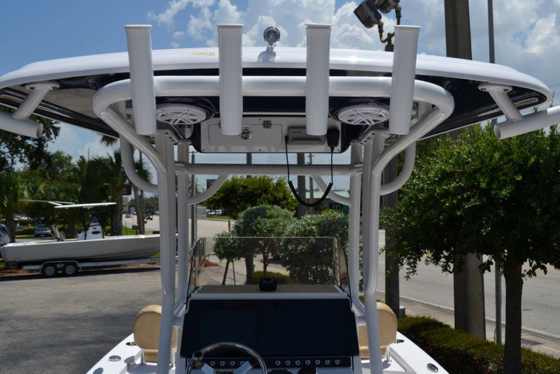 Thumbnail 11 for New 2019 Sportsman Masters 247 Bay Boat boat for sale in Miami, FL