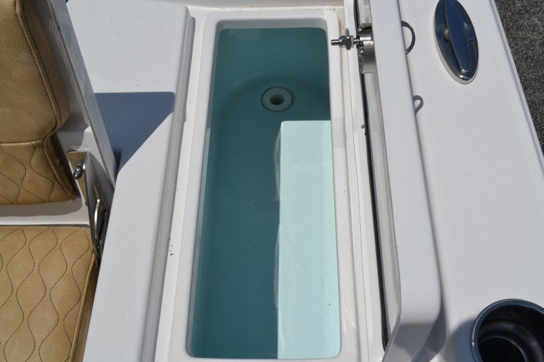 Thumbnail 21 for New 2019 Sportsman Masters 247 Bay Boat boat for sale in Miami, FL