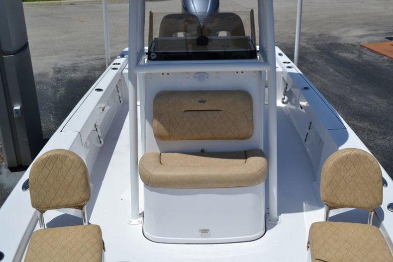 Thumbnail 14 for New 2019 Sportsman Masters 247 Bay Boat boat for sale in Miami, FL