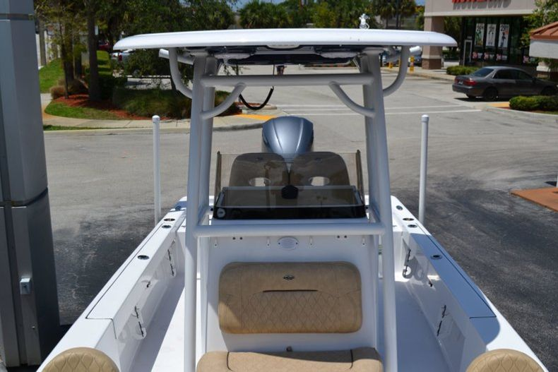 Thumbnail 15 for New 2019 Sportsman Masters 247 Bay Boat boat for sale in Miami, FL