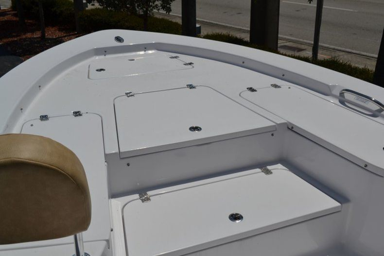 Thumbnail 25 for New 2019 Sportsman Masters 247 Bay Boat boat for sale in Miami, FL