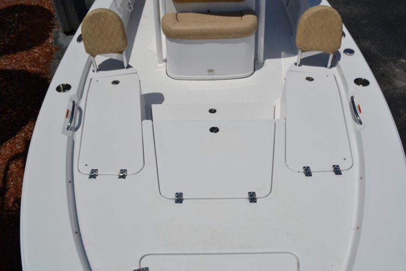 Thumbnail 26 for New 2019 Sportsman Masters 247 Bay Boat boat for sale in Miami, FL