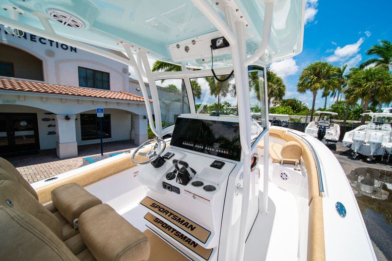 Thumbnail 24 for New 2019 Sportsman Heritage 251 Center Console boat for sale in West Palm Beach, FL