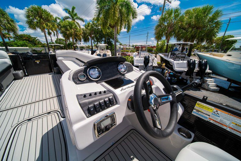 Thumbnail 15 for New 2019 Hurricane FunDeck FD 236SB boat for sale in Vero Beach, FL