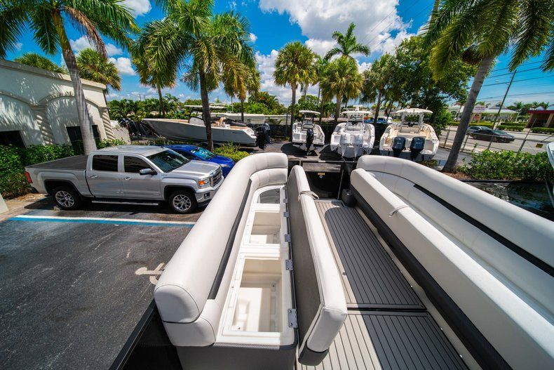 Thumbnail 24 for New 2019 Hurricane FunDeck FD 236SB boat for sale in Vero Beach, FL