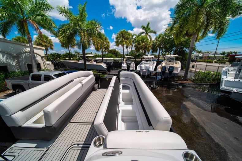 Thumbnail 23 for New 2019 Hurricane FunDeck FD 236SB boat for sale in Vero Beach, FL