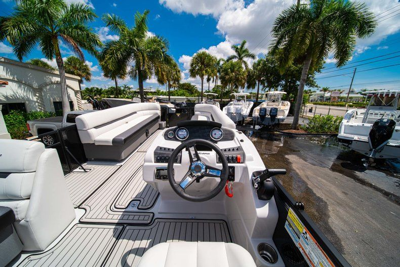 Thumbnail 14 for New 2019 Hurricane FunDeck FD 236SB boat for sale in Vero Beach, FL