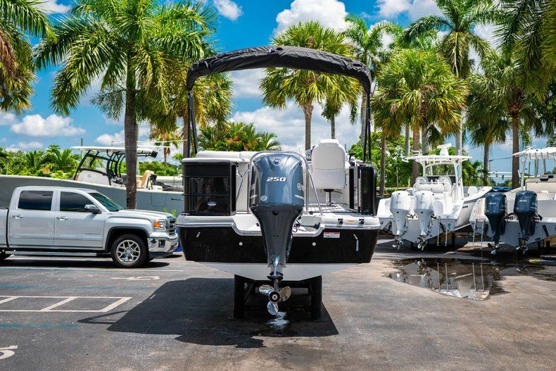 Thumbnail 6 for New 2019 Hurricane FunDeck FD 236SB boat for sale in Vero Beach, FL