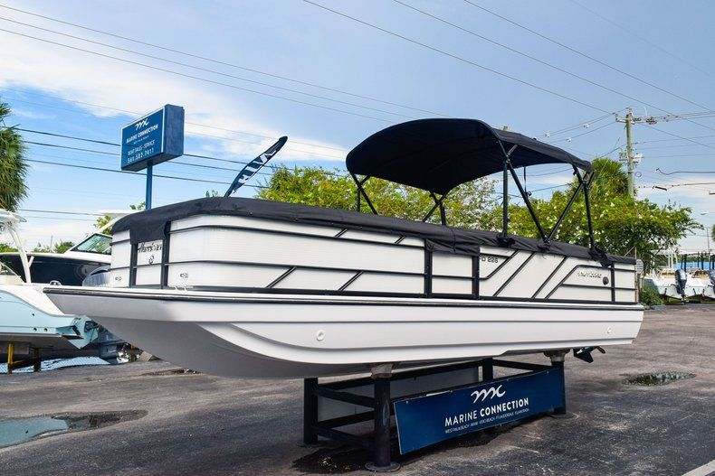 Image 3 for 2019 Hurricane FunDeck FD 226 OB in West Palm Beach, FL